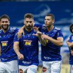 Sobis brilha, Cruzeiro espanta má fase no Mineirão e mantém vivo o sonho do acesso