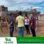 Prefeita Mariana e prefeito eleito Tututa visitam obras em andamento em Luis Gomes/RN