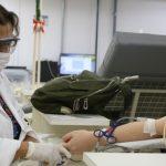 Queda na doação de sangue devido à pandemia preocupa hemocentros