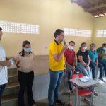 BERNARDINO BATISTA: PREFEITO ALDO ANDRADE COMANDA REUNIÃO COM MORADORES DA COMUNIDADE DE CAPOEIRAS