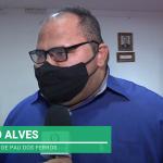 Pau dos Ferros: Renato Alves responde bombardeio, pede paciência e afirma que o trabalho está começando. Veja vídeo
