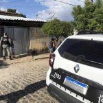 Homem é morto a facadas dentro de casa, em Cajazeiras