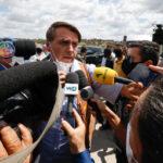Bolsonaro se irrita com repórter e mais uma vez agride verbalmente uma repórter